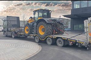 Baumaschinen | Erdbaugeräte | Bagger | Fahrbagger | Radlader | |Raupe | Flachbagger | Grader | Schürfzug | Saugbagger | Drehbohrgerät | Schlitzwandgreifer | Kipper | Förderband | Mischer | Silo | Pumpe | Rüttler | Hebezeuge | Kran | Ramme | Walze | Fertiger | Fräse | Verdichtungsgeräte | Tunnelbaugeräte | Kompressorgeräte
